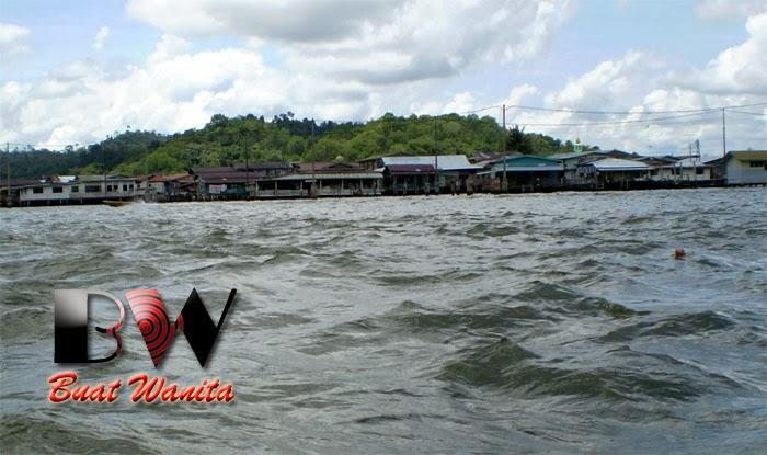 http://buatwanita.blogspot.com/2014/03/ronda-ronda-di-rumah-air-brunei.html