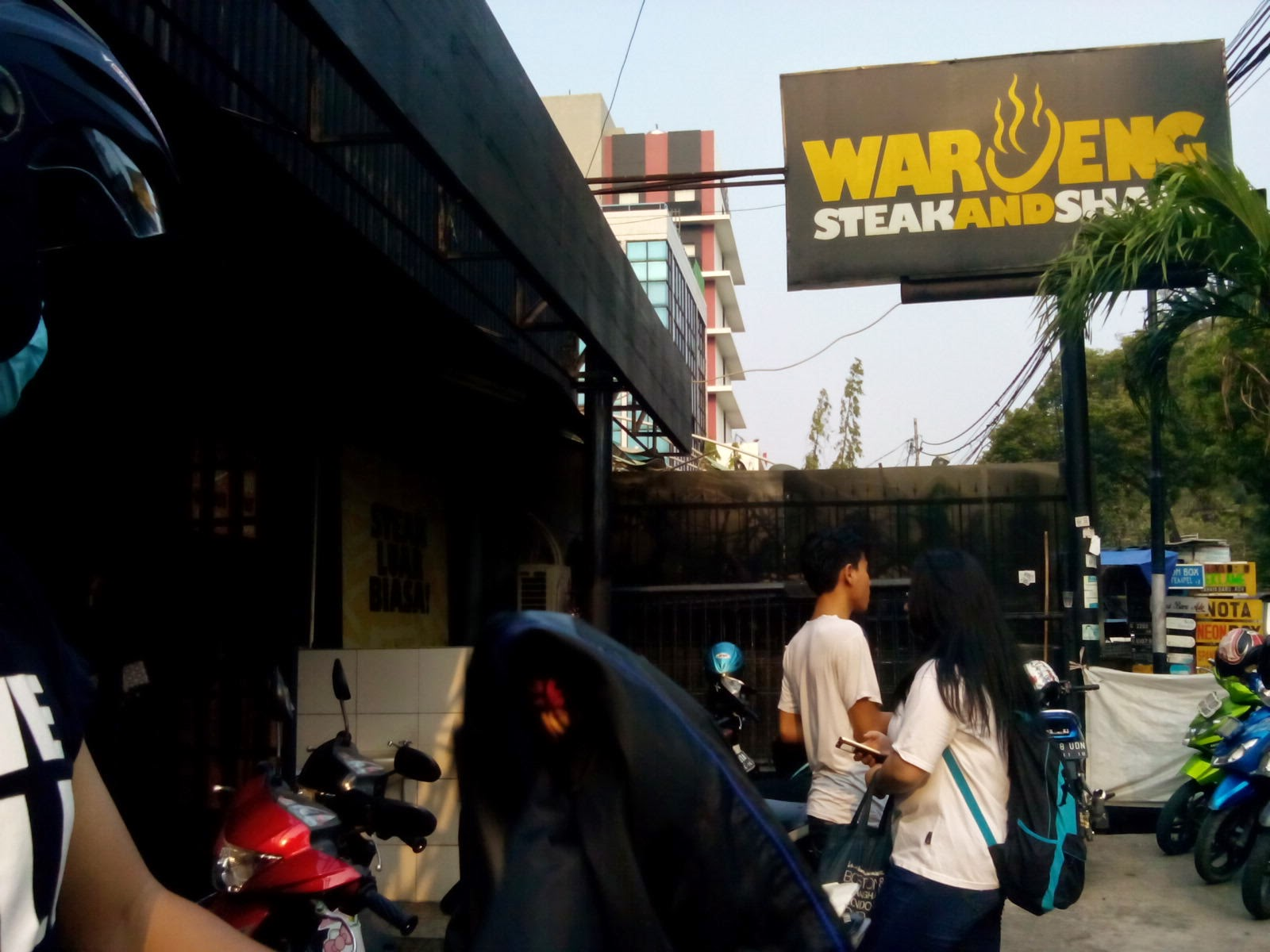 waroeng steak and shake jakarta depok ciputat