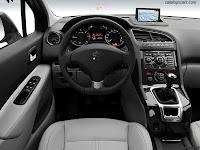 Peugeot 5008 2011