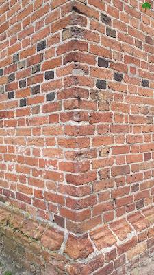 ściana kościoła - róg