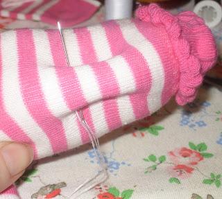 Reciclatex Cómo hacer un peluche con calcetines