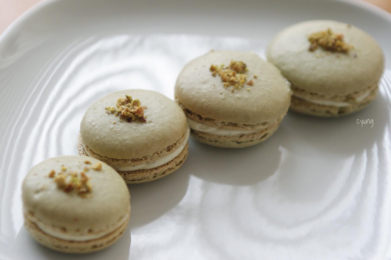 at the same recipe as last time ( grapefruit macaron ). Macarons ...