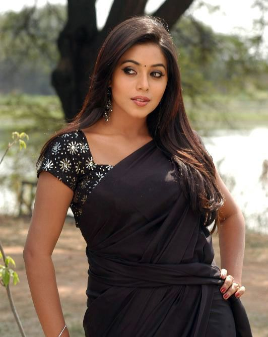 Seema Tapakai Actress Poorna in Black Saree & Various Dresses