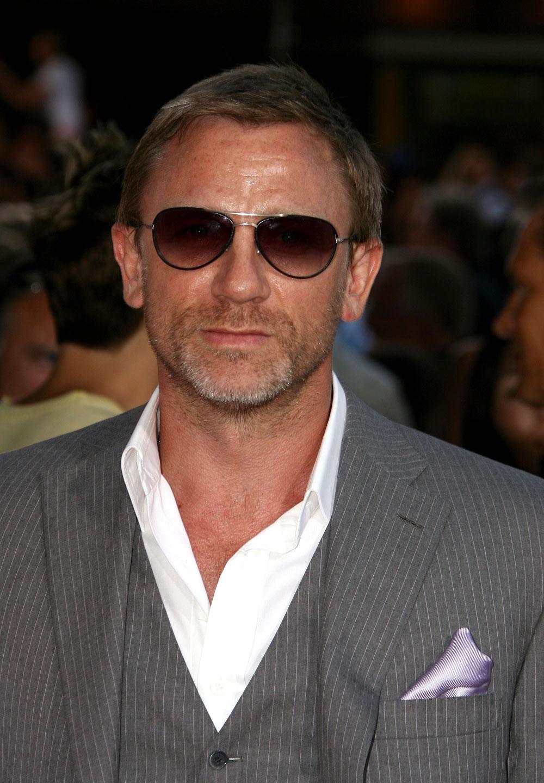 Daniel Craig Hd Wallpapers High Definition Free Background