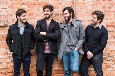"""Locus lança EP """"Efeito Sofá"""", ouça aqui e conheça a banda"""