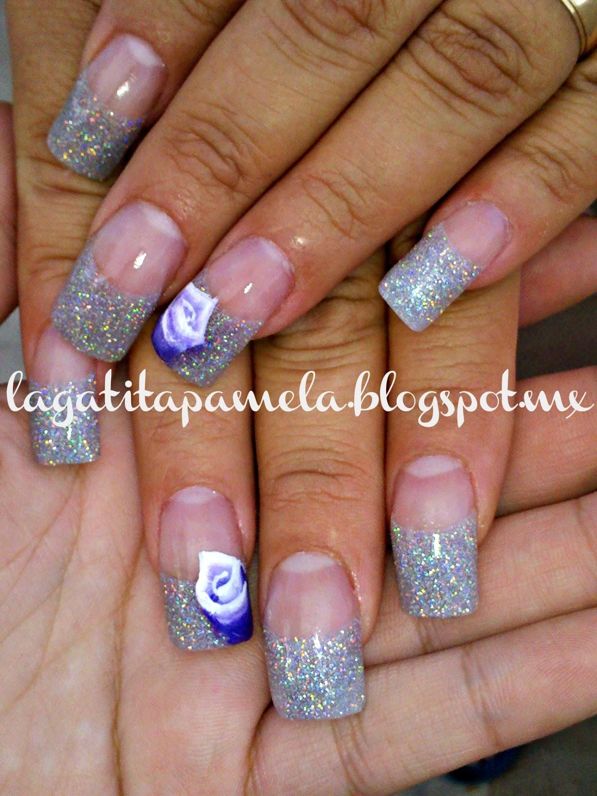 las uñas acrílicas de mi mamá, acrilico metalic grey de republic nail y rosa one stroke