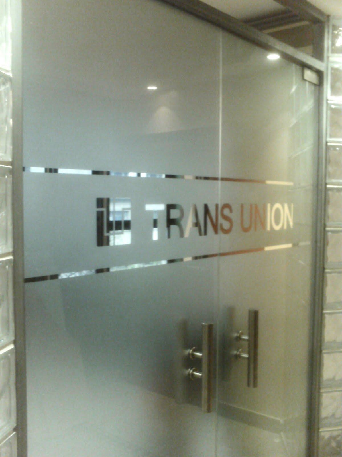 Ploteo baires gr fica comercial e institucional for Puertas para oficinas exteriores