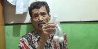 Aneh Tapi Nyata! Seorang Kakek Di Jakarta Bisa Bertelur!