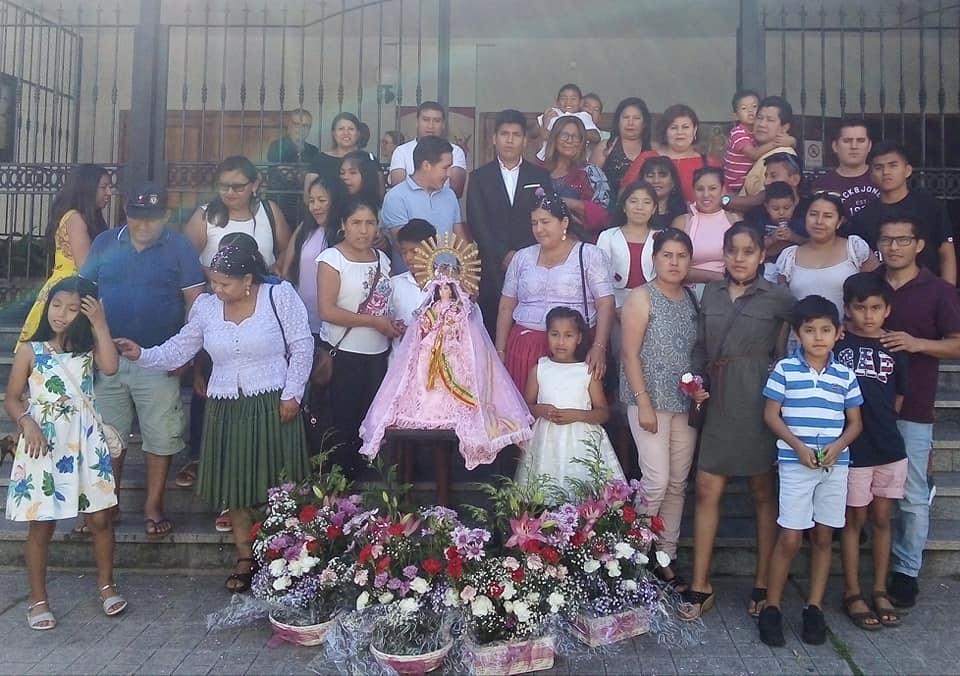 Eucaristia por la Virgen Boliviana de Urkupiña en la  Parroquia P.Socorro de Vigo