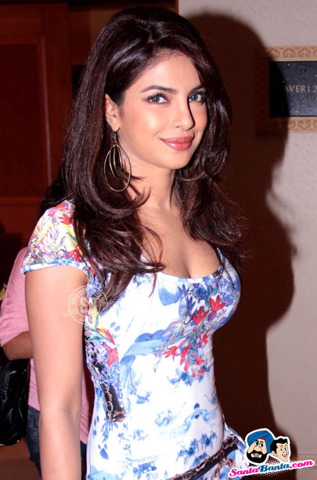 Priyanka Chopra  - Priyanka in Floral Dress Unveils DDB Technology