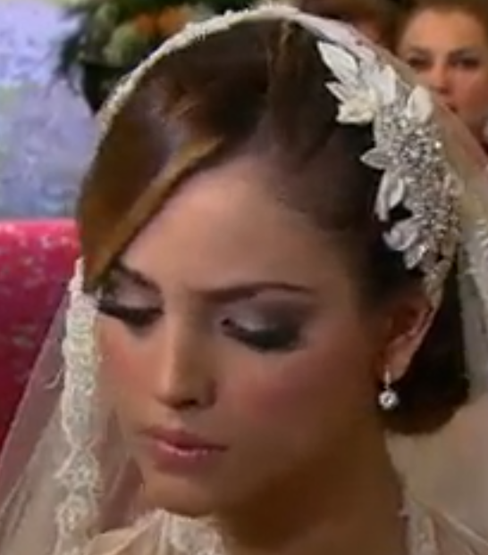 Eiza gonzalez amores verdaderos maquillaje