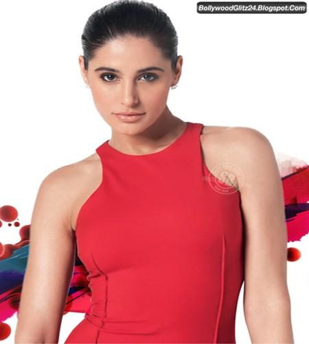 70 Sizzling Hot Photos of Nargis Fakhri ~ Bollywood Glitz 24 - Hot ...
