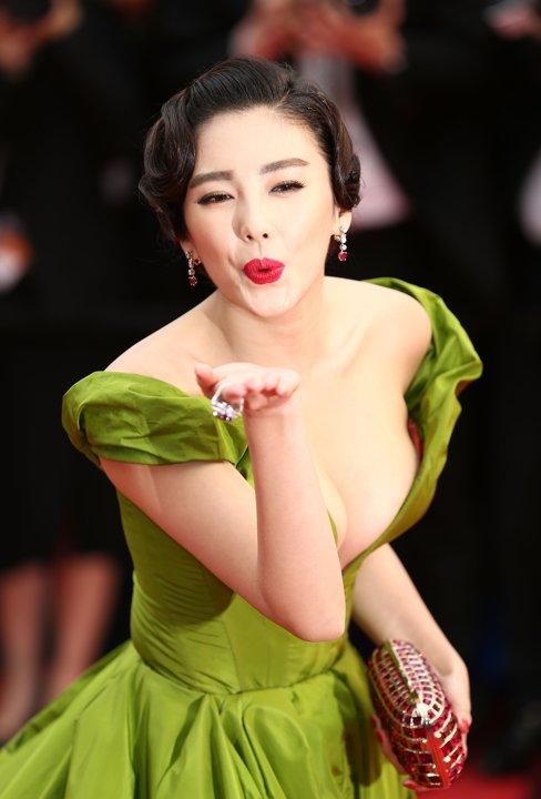 Zhang Yuqi (张雨绮 Zhāng yǔ qǐ) - like Oriental Monroe