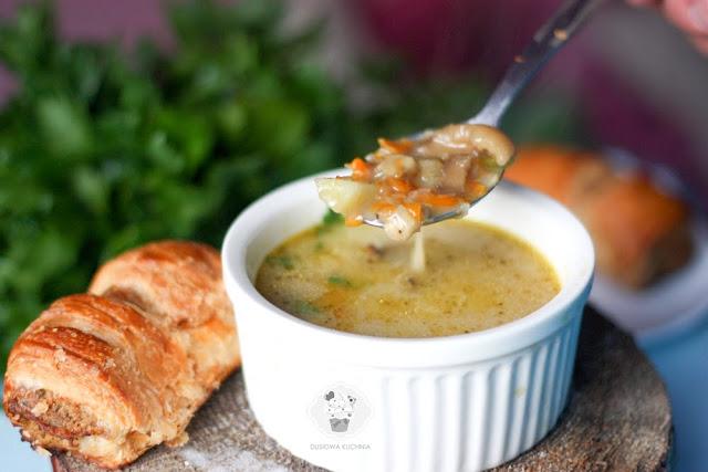 zupa grzybowa, przepis na zupę grzybową, zupa grzybowa z ziemniakami