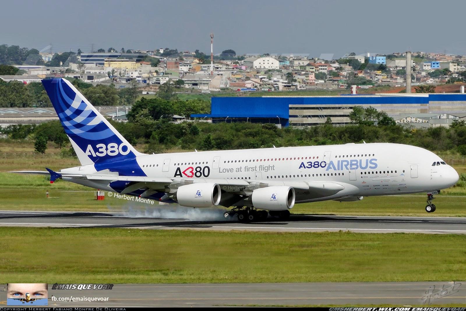 Nosso registro do A380 tocando o solo de Guarulhos-SP em 2012. | Foto © Herbert Monfre.