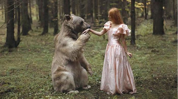 Imponentes retratos surrealista que destacan a animales silvestres por Katerina Plotnikova