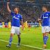 Schalke sofre apagão, mas bate o Sporting nos acréscimos e vence a primeira