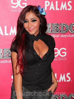 Nicole-Snooki-Polizzi-Sports-New-Hair-Color-New-Year-2012