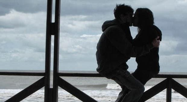 4 Jenis Ciuman Yang Jadi Fantasi Wanita