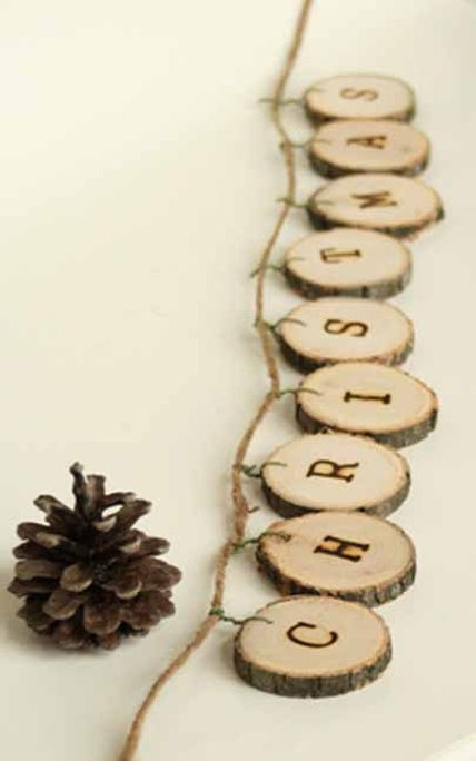GIRLS NIGHT OUT - WOOD HOLIDAY GARLAND