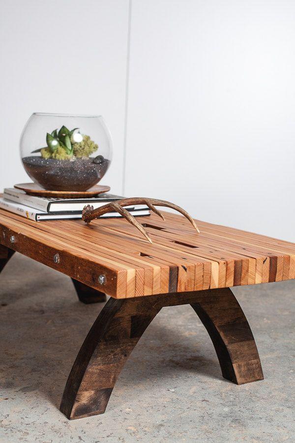 mesa de sobra de madeiras
