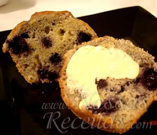 receita de deliciosos muffins de blueberries