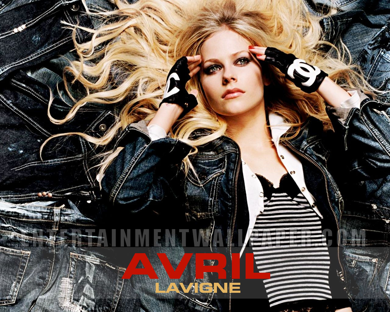 Avril Lavigne - Head Above Water Lyrics Meaning