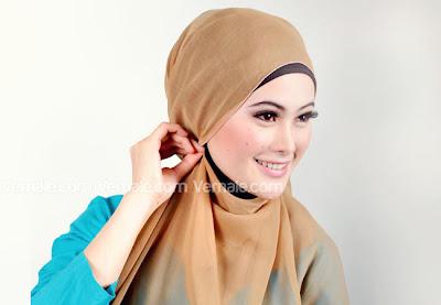 ... jilbab cantik untuk acara resmi yuk di simak tutorial jilbab paris