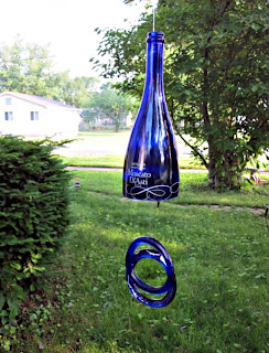 Memories for Life: Friday Features - Upcycled Wine Bottles