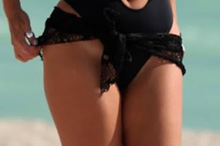 Claudia Romani Thong ing Suit 007