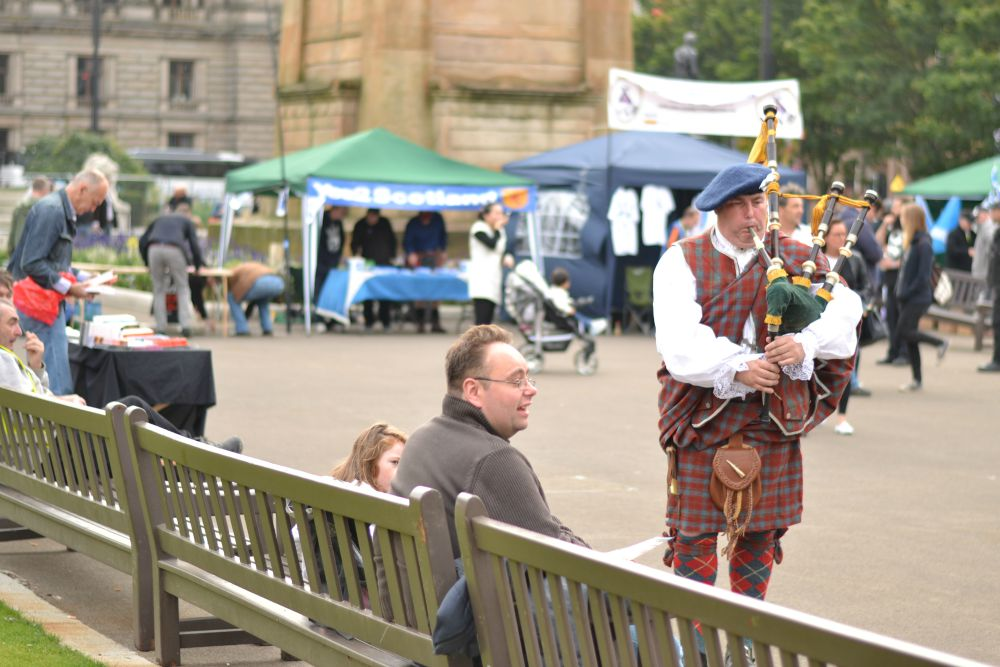 bagpiper george square glasgow doors open day