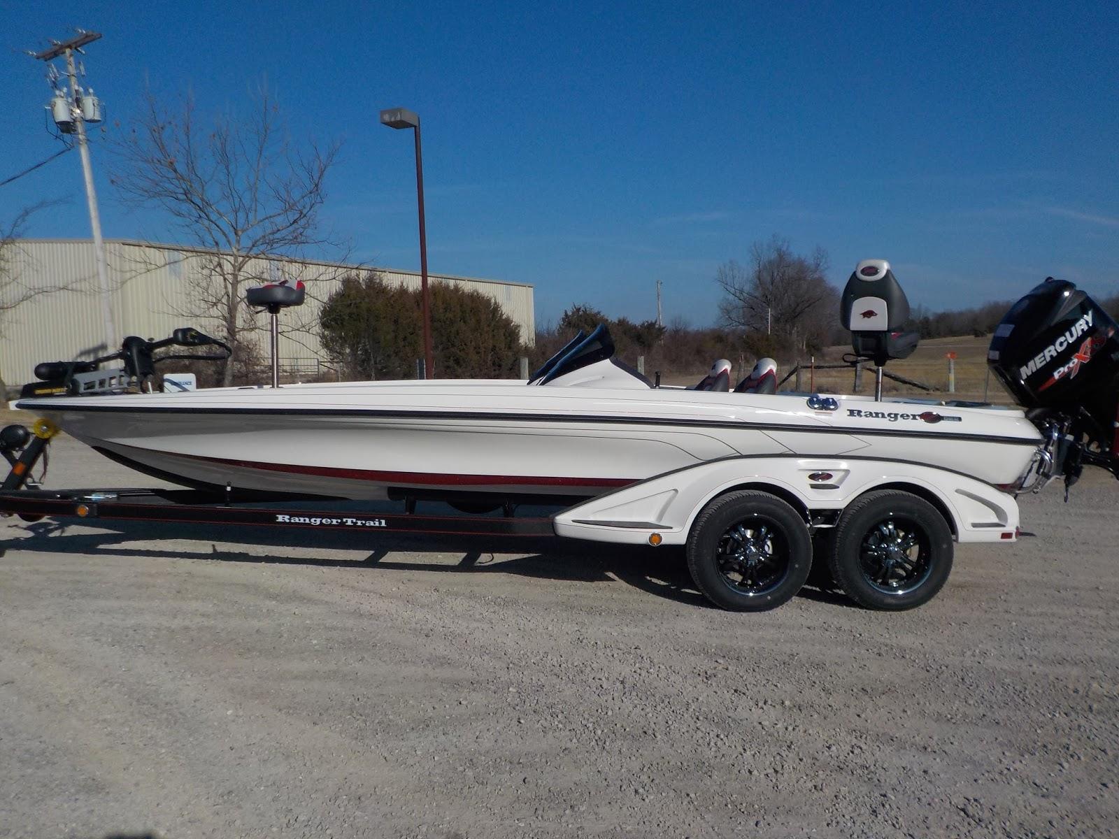 Ranger Boats Blog: Country Music Star Justin Moore & His New Ranger!