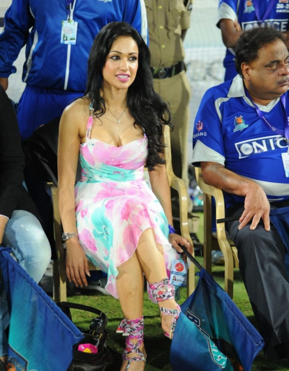 Tamil Actress Madhuri Bhattacharya Hot Stills Gallery In CCL Photos hot images