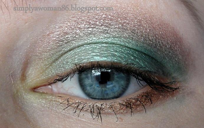 http://simplyawoman86.blogspot.co.uk/2014/03/makijaz-w-wiosennej-zieleni.html