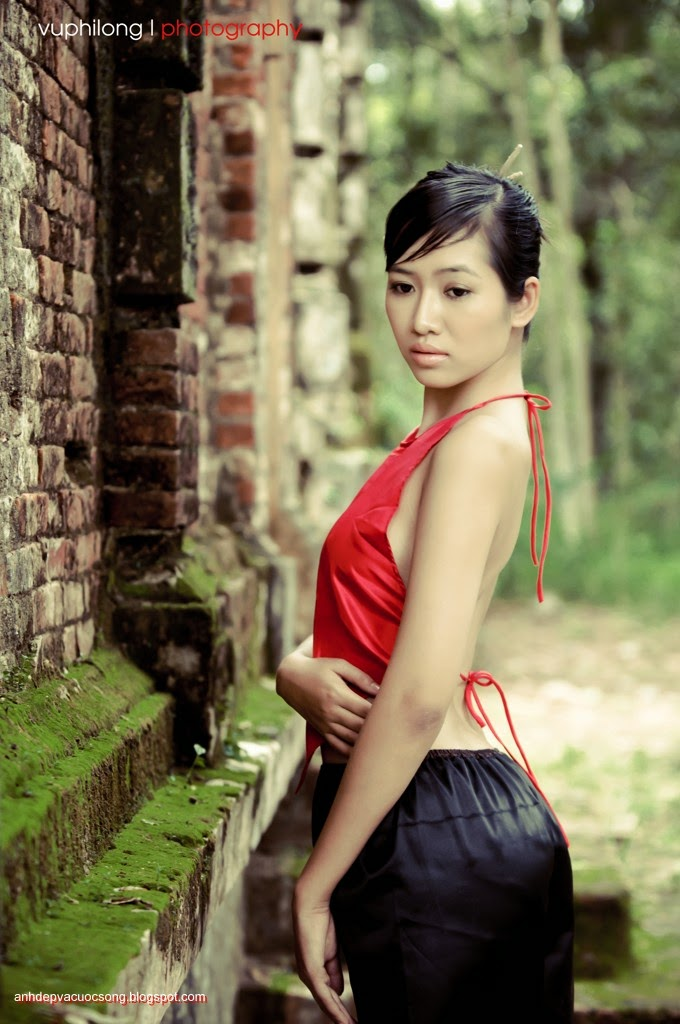 Thiếu nữ duyên dáng với áo yếm xưa 28