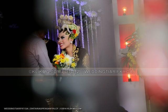 Resepsi Pahargyan Agung Pernikahan TIA ANGGRAINI dan RIFKY KURNIAWAN | Rias Pengantin oleh : DHITA Rias Pengantin Purwokerto | Foto oleh KLIKMG Fotografer Bandung