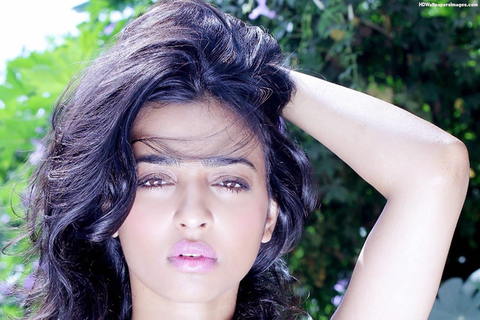 Radhika Apte leaked