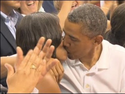 obama michelle on kiss cam