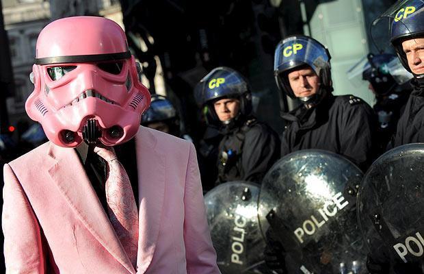 Creativive un masque soi - Stormtrooper suit wallpaper ...