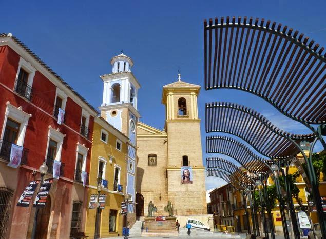 Mula, Iglesia de San Miguel y Torre del Reloj.