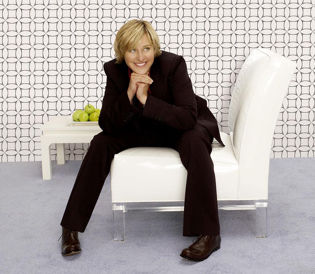 http://3.bp.blogspot.com/-oS4JmyhhwEw/TvfNhIMhhkI/AAAAAAAAAvk/JxM4A7Y6gIk/s1600/Ellen-DeGeneres-ellen-degeneres-24151092-1024-891.jpg