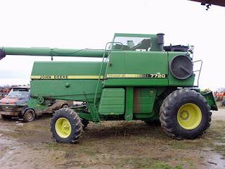 EQ-25153 John Deere 7720 combine