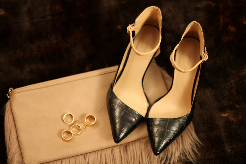 fashion set with heels, fur bag and golden rings