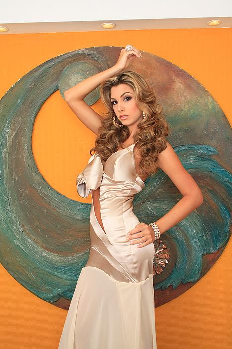 caroline medina,Miss Aragua 2010