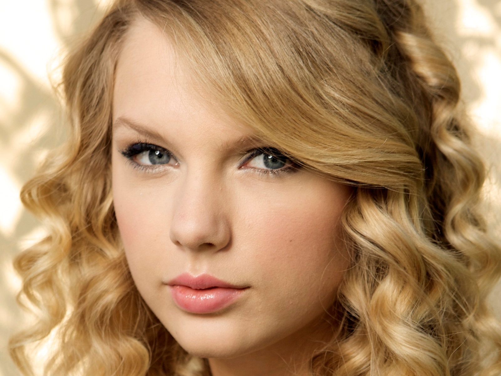 swift mature personals Swift then focused her attention on  from a more mature perspective while exploring other themes such as fame and  six singles were released from.