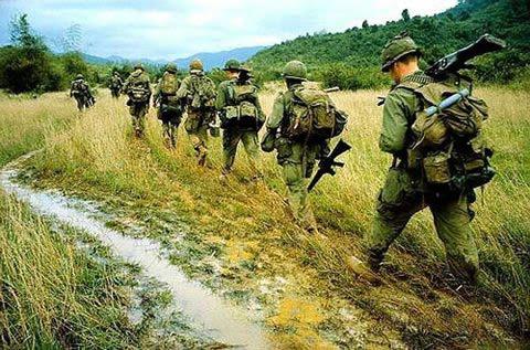 LA OFENSIVA DEL TET 11 MAYO 12 HORAS 2 CAMPOS GEDAT TALAVERA Guerra-vietnam-3