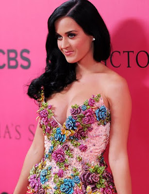 Katy Perry Fantastic Wallpaper-800x600