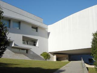 facultade-ciencias-informacion-santiago-siza