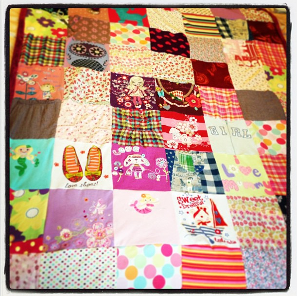 Mama Dynamite: MAKE YOUR OWN MEMORY QUILT : how to make your own quilt - Adamdwight.com