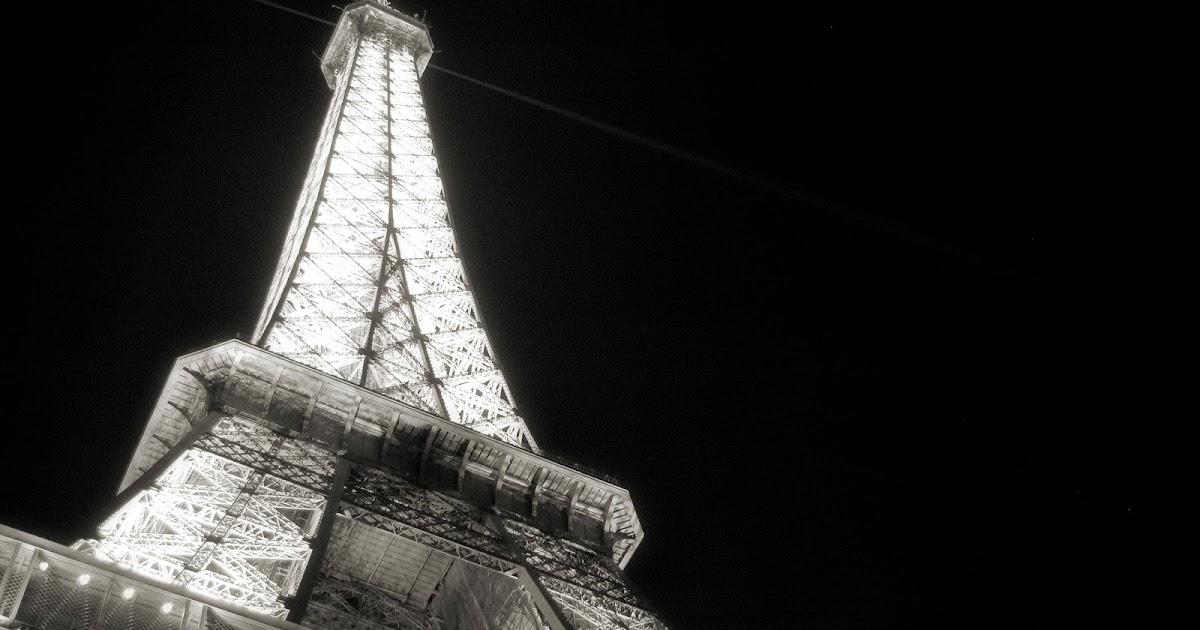 Curiosidades de la torre eiffel adictos a los viajes for Quien hizo la torre eiffel